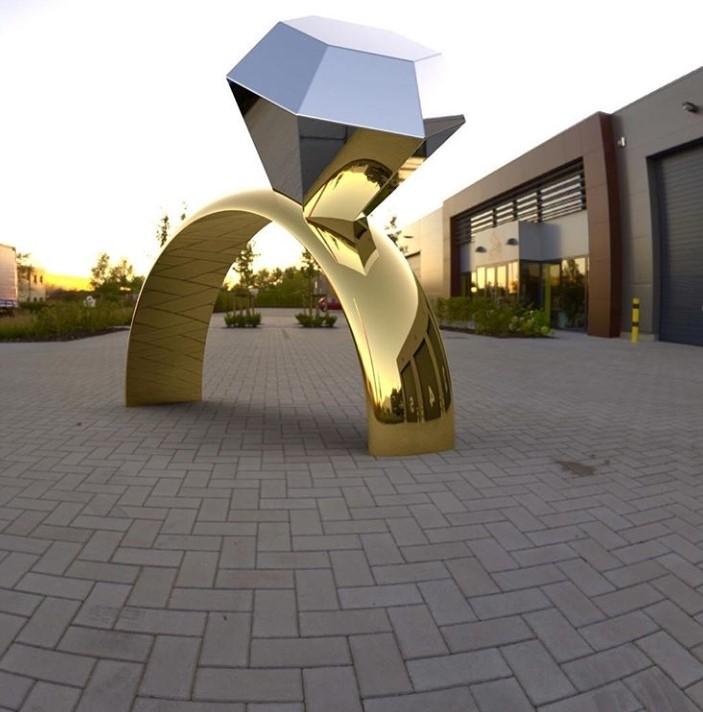 sculpture solitaire par Baptiste Monvoisin