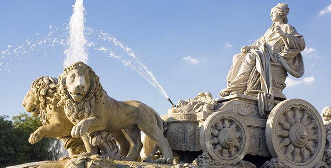 la fontaine de Cybèle à Madrid
