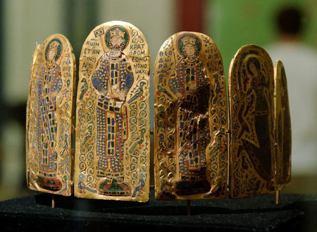 Couronne_Monomaque_-_Musée_national_hongrois - il était une fois le bijou