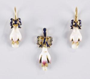 Les bijoux de dents de la Reine Victoria au Grillz
