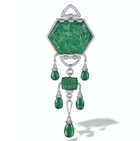 emeraude gravée de 380.98 carats Christies maharajas mughal