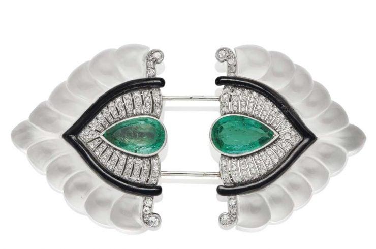 Clip cristal de roche, émeraudes, émail et diamants, dessin de Suzanne Belperron, par René Boivin - vente Christie's