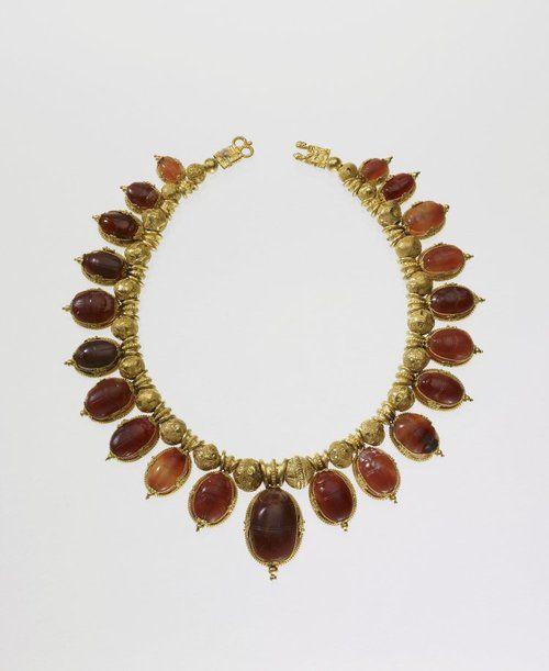 collier ambre et filigrane - art Etrusque