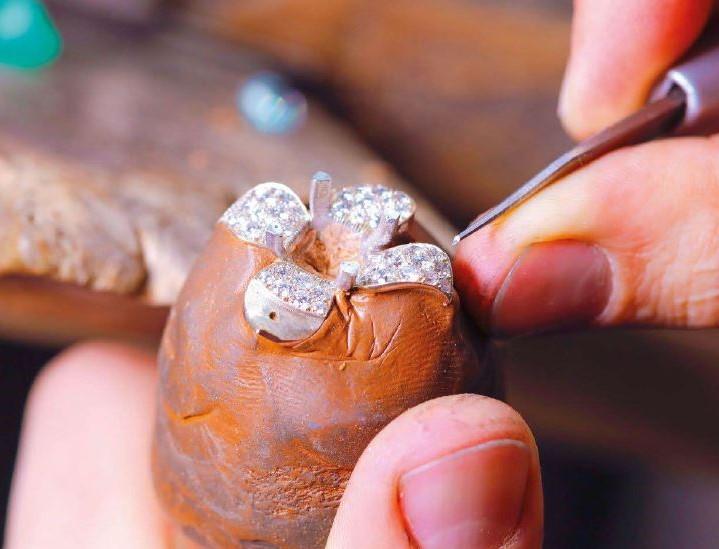 le bijou dans son ciment