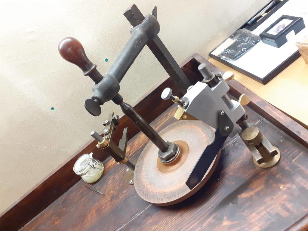 la machine où poser le crayon