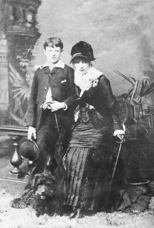 Sarah Bernhardt avec son fils Maurice